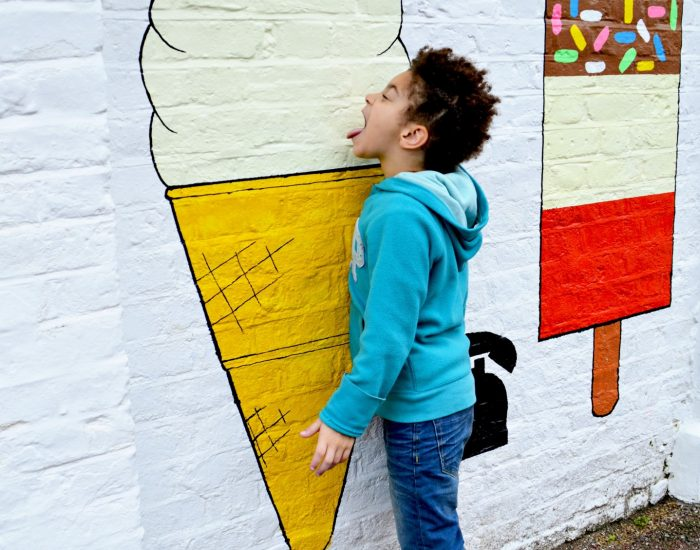 street-art_t20_a8NYoP